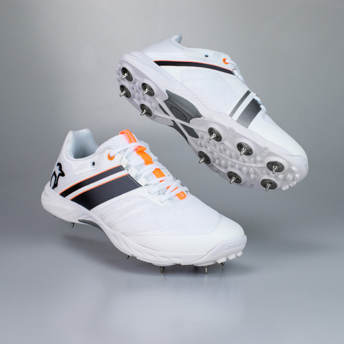 KC 2.0 SPIKE CRICKET SHOE